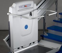 Simalift_Montascale-a-piattaforma-installazione-manutenzione